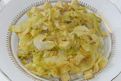 Spitzkohl mit Tofu und Erdnusssauce 1