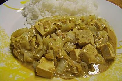 Spitzkohl mit Tofu und Erdnusssauce 5