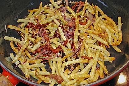Putenoberkeulenbraten mit Mangosauce und Kartoffelstäbchen mit Speck und Zwiebeln 5