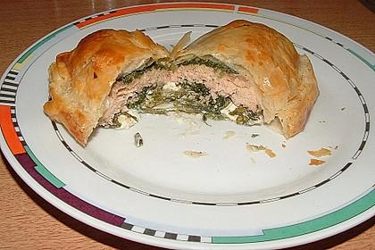 Blätterteigpäckchen mit Lachs, Schafskäse und Spinat 5