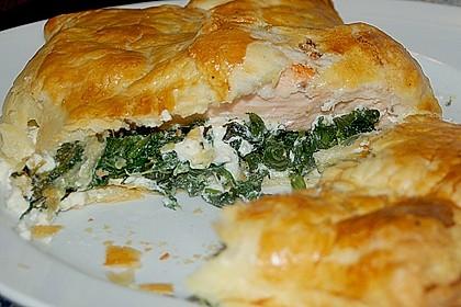 Blätterteigpäckchen mit Lachs, Schafskäse und Spinat 3