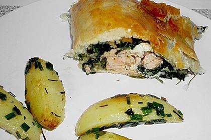 Blätterteigpäckchen mit Lachs, Schafskäse und Spinat 13