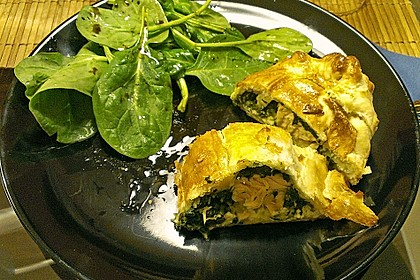 Blätterteigpäckchen mit Lachs, Schafskäse und Spinat 6