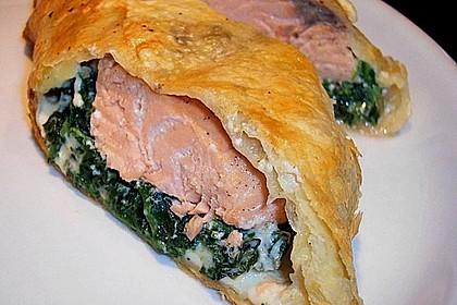 Blätterteigpäckchen mit Lachs, Schafskäse und Spinat 1