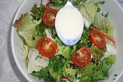 Einfache Salatsoße für Blattsalate 2