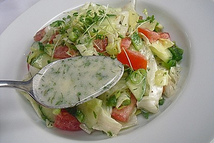 Einfache Salatsoße für Blattsalate 6