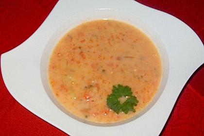 Cremige, aber diättaugliche Kartoffelsuppe mit Thymian und Käse 36