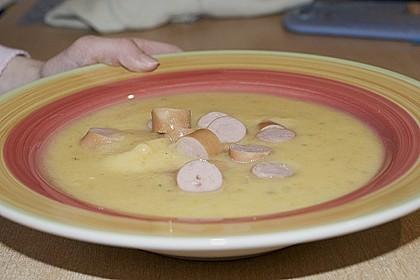Cremige, aber diättaugliche Kartoffelsuppe mit Thymian und Käse 9