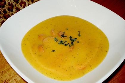 Cremige, aber diättaugliche Kartoffelsuppe mit Thymian und Käse 3