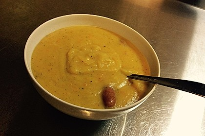 Cremige, aber diättaugliche Kartoffelsuppe mit Thymian und Käse 22