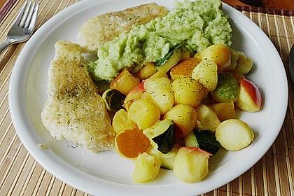 Blauleng und Krabben mit Apfel - Kürbis - Zucchini - Kugeln und Kartoffel - Avocado - Püree 1
