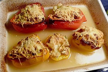 Gefüllte Paprika mit Huhn und Hüttenkäse 4