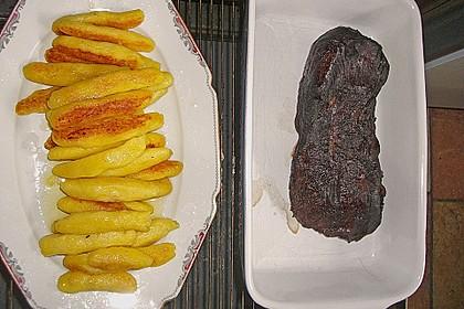 Rehkeule in Granatapfelsauce mit Schupfnudeln und Brokkoli 14