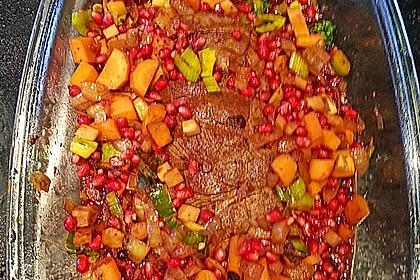 Rehkeule in Granatapfelsauce mit Schupfnudeln und Brokkoli 16