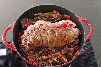 Rehkeule in Granatapfelsauce mit Schupfnudeln und Brokkoli 3
