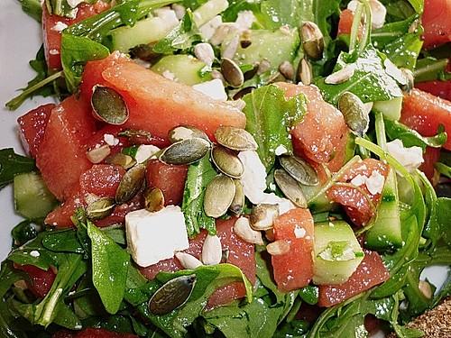 wassermelonen salat mit schafsk se und minze rezept mit bild. Black Bedroom Furniture Sets. Home Design Ideas