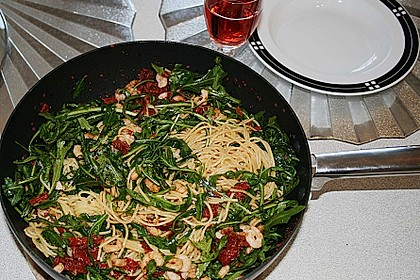Spaghettini mit Garnelen und Rucola 6
