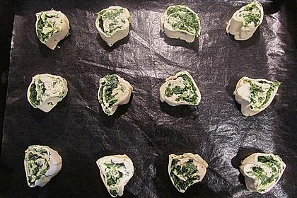Blätterteig - Spinat - Schnecken 44