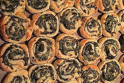 Blätterteig-Spinat-Schnecken 35