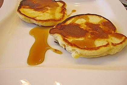 american pancakes mit ahornsirup rezept mit bild. Black Bedroom Furniture Sets. Home Design Ideas