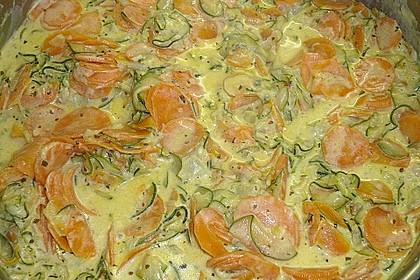 Nudeln mit Zucchini - Möhren - Sauce 5