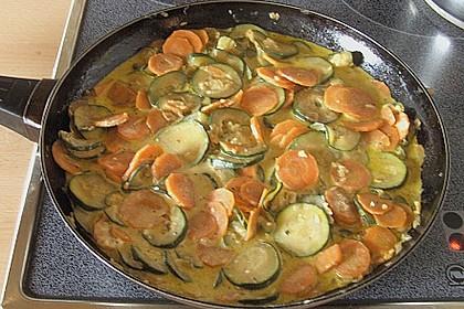 Nudeln mit Zucchini - Möhren - Sauce 4