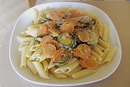 Nudeln mit Zucchini - Möhren - Sauce 1