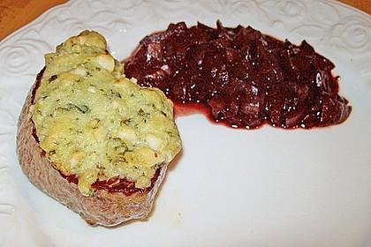 Rindersteak mit Parmesan - Macadamia - Basilikum - Kruste