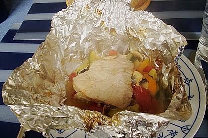 Hühnerbrustfilet mit Gemüse in der Folie gegart 4