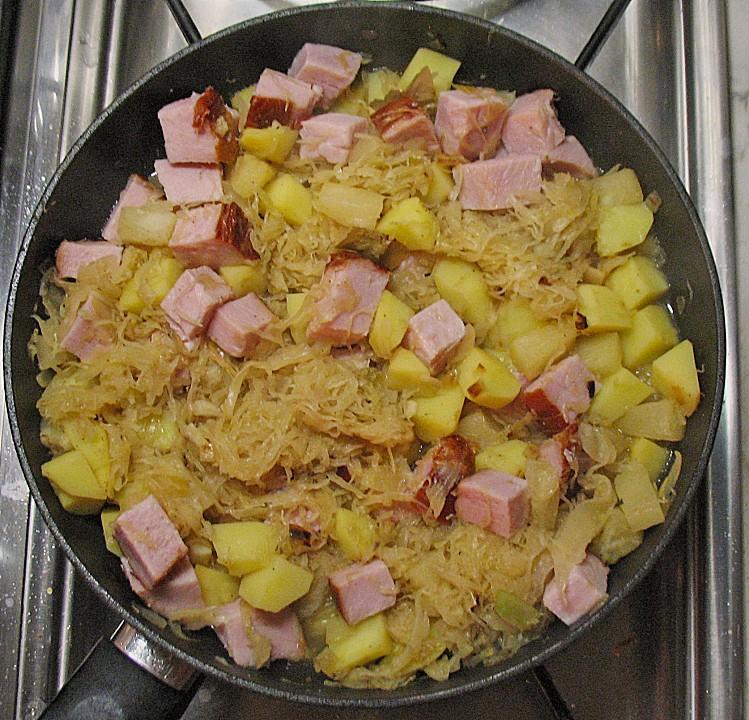Sauerkraut - Kasseler - Kartoffel - Pfanne mit Ananas von ...