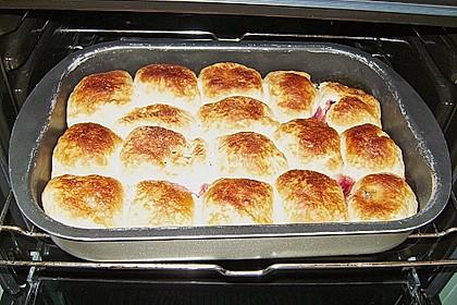 Rohrnudeln ohne Ei - gefüllt mit Zwetschgen, Aprikosen oder Rosinen 1