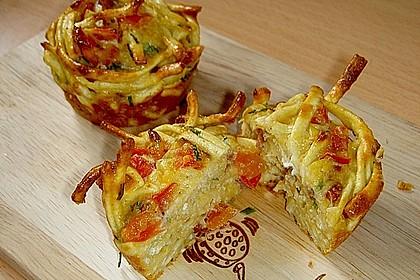 Spätzle - Muffins mit Salat 1