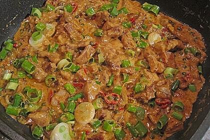 Dickes rotes Thai - Curry mit Schweinebauch und grünem Pfeffer 1