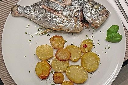 Gebackene Dorade mit scharfen Ofenkartoffeln 14