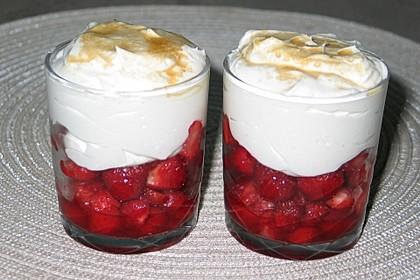 Vanille - Erdbeer - Traum mit süßer Haube 1