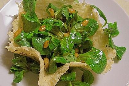 Feldsalat im Parmesankörbchen 1