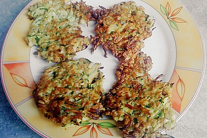 Zucchini-Reibekuchen 17
