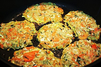 Zucchini-Reibekuchen 13