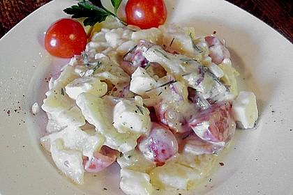 Kartoffelsalat mit Tomaten und Feta