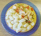 Puten - Gulasch mit Paprika und Rahm (Bild)