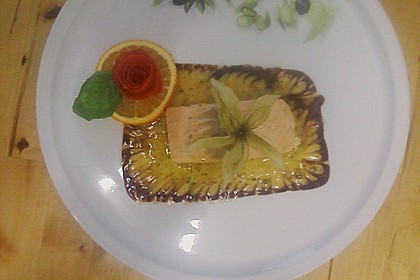 Pochierter Lachs in Sekt - Limetten - Sauce 9