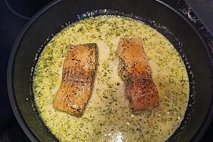 Pochierter Lachs in Sekt - Limetten - Sauce 10