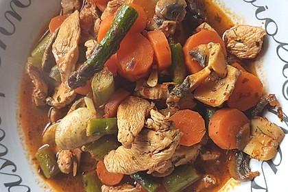 Hähnchengeschnetzeltes mit Champignons und Möhren 2