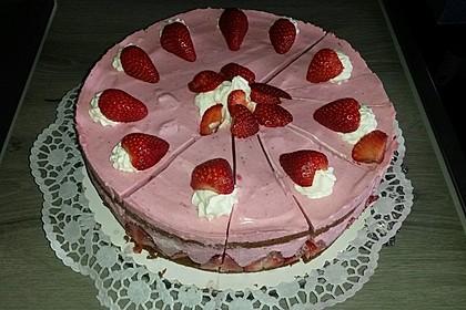 Erdbeer - Joghurt - Sahne - Torte 15