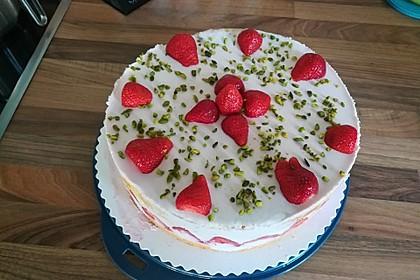 Erdbeer - Joghurt - Sahne - Torte 7