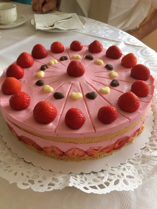Erdbeer joghurt torte sahne