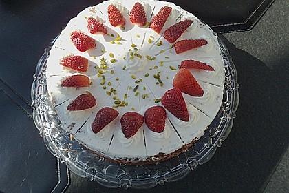 Erdbeer - Joghurt - Sahne - Torte 6