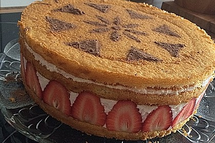 Erdbeer - Joghurt - Sahne - Torte 26
