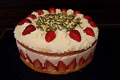Erdbeer - Joghurt - Sahne - Torte 25