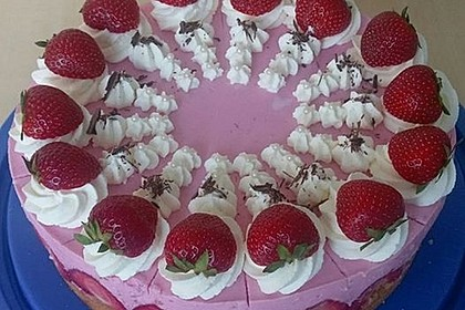 Erdbeer - Joghurt - Sahne - Torte 0